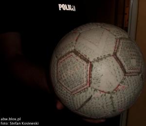 Piłka w rękach Policji